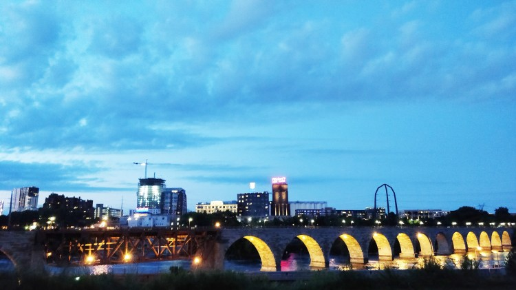 downtown minneapolis scenic spots