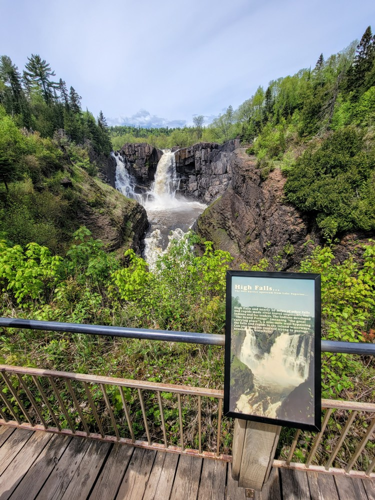 Thrilling Things to See on the North Shore high falls