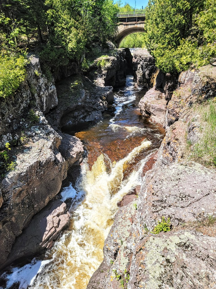 Thrilling Things to See on the North Shore temperance river