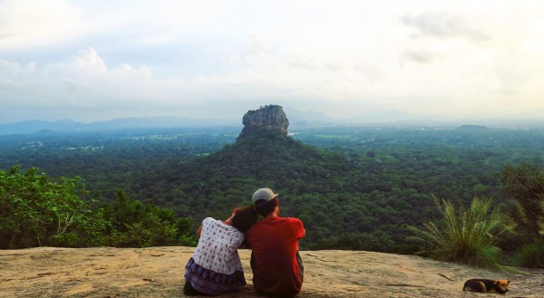 "Pidurangala Rock: The Best Place to View the ""Eighth Wonder of the World"""
