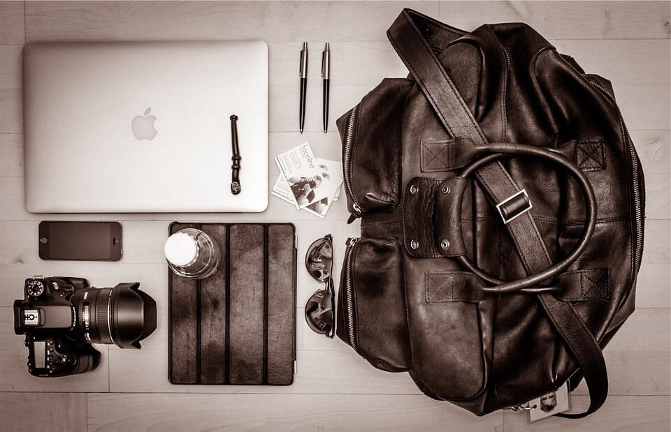 Smart Tips For Packing Light (Carry-On)