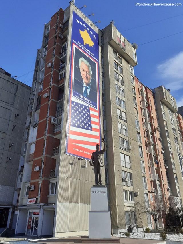 bill clinton statue pristina kosovo