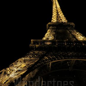 Paris: Eiffel Tower