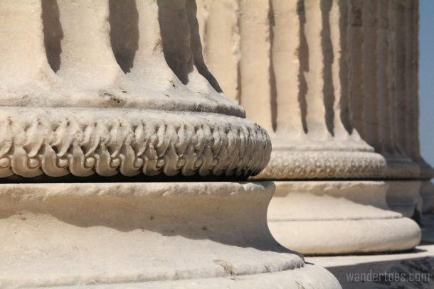 acropolis-column-base-wandertoes
