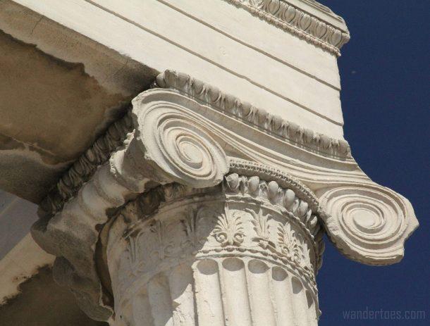 erechtheum-column-scroll-wandertoes