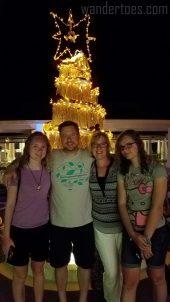 mercure-christmas-family-photo