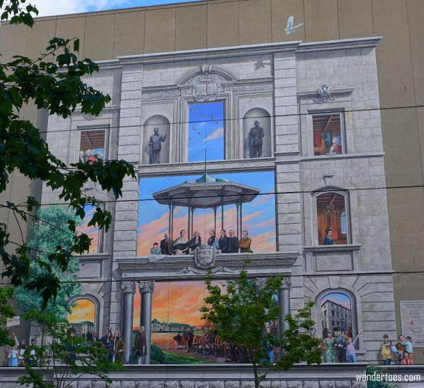 La Fresque BMO de la Capitale Nationale du Québec depicting the political history of Quebec City.