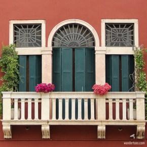 17 Distinctive Windows of Venice