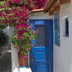 Anafiotika : A Bit of Greek Islands in Athens