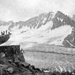 Ecole Montalembert - Limoges. 1931-1932 - Nos Scouts en Campement. Aux pieds du Pic du Moine (glacier de Talèfre). - Camp des Alpes.