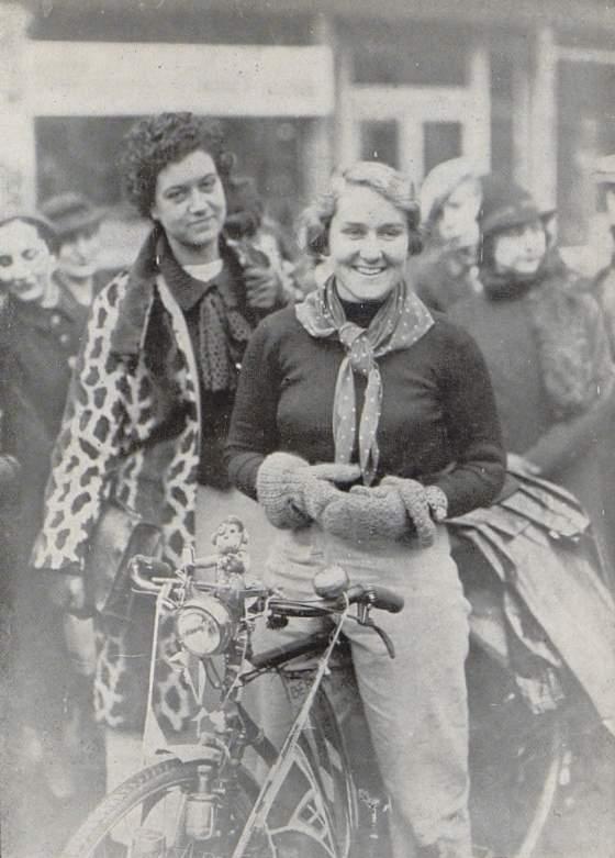 L'EUROPE A BICYCLETTE par. Lily SERGUÉIEW