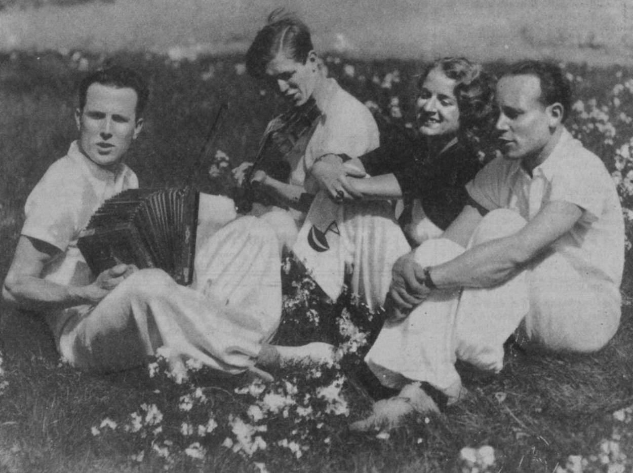 « La jeunesse prépare la paix » - Marianne 1937