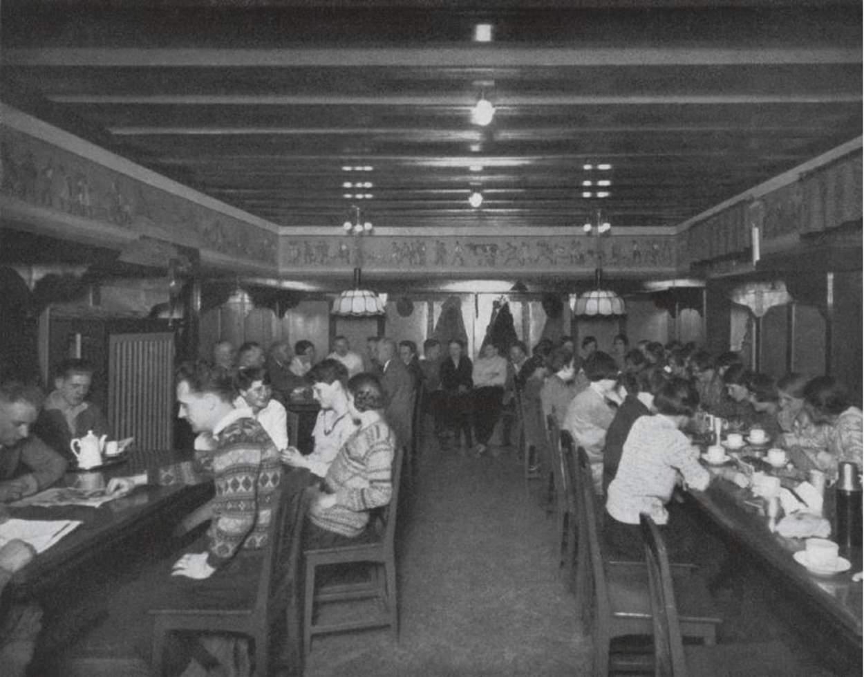 Salle à manger dans l'auberge de jeunesse Neu-Astenberg, Sauerland