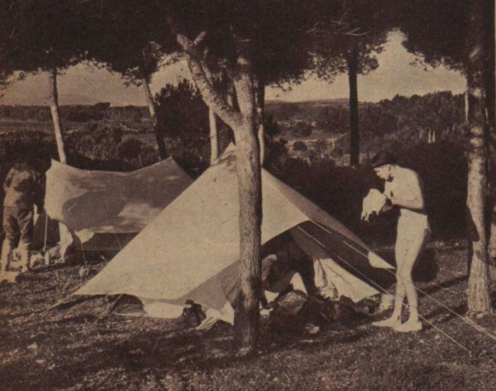 Camping hivernal - Modèle de tente à double toit