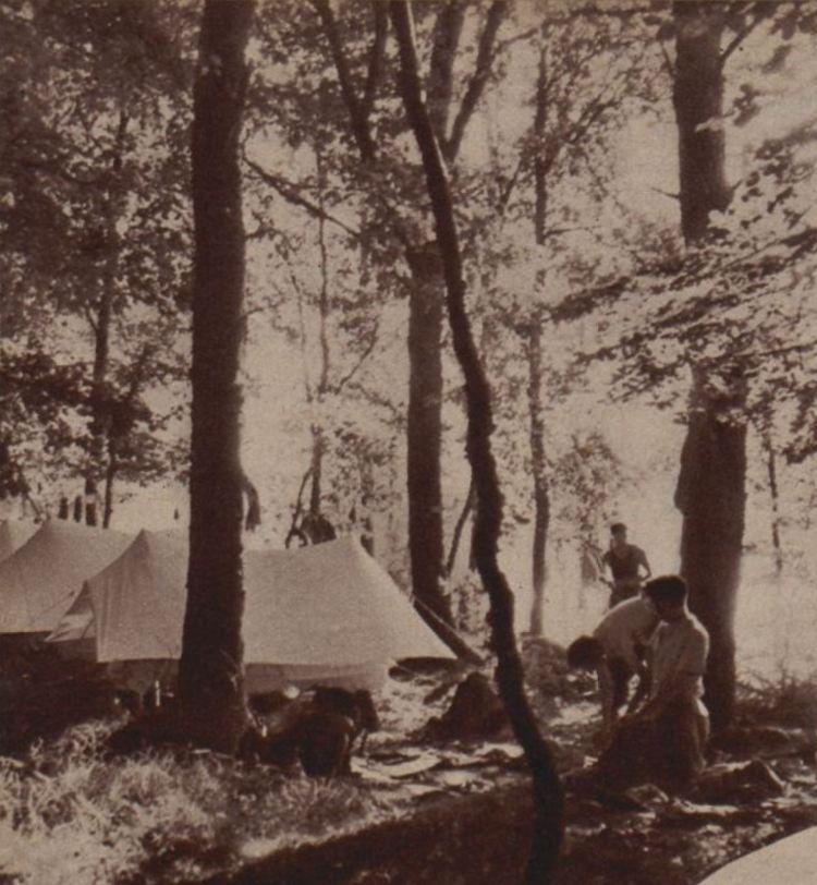Mauvaise disposition : les tentes sont trop serrées.