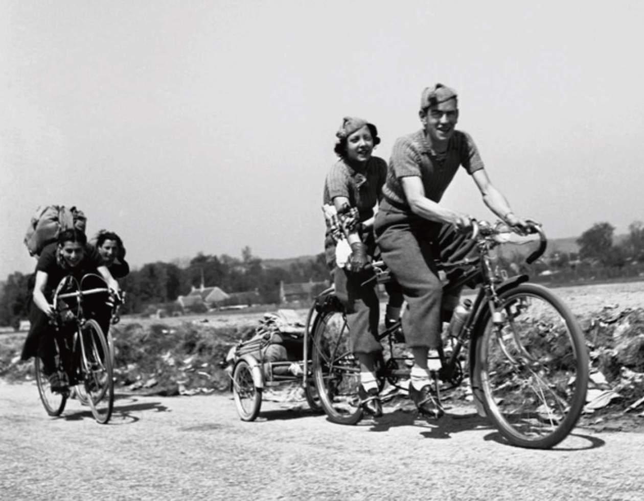 Ajisme et cyclotourisme - Cyclistes des congés payés