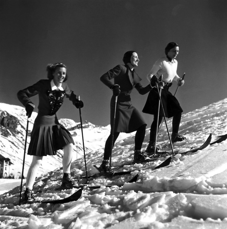 La mode du ski par Roger Schall, Decembre 1938 pour le magazine Vogue.