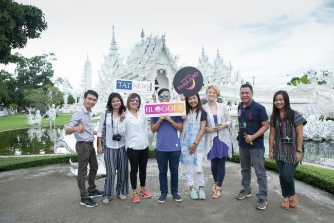 CHIANG RAI 7 PLACES TO VISIT Group picture with TAT Newsroom team & bloggers