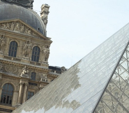 Days in Paris Louvre