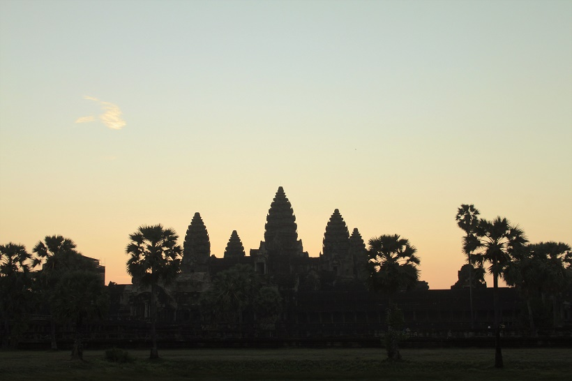 Angkor Wat sunrise beginning