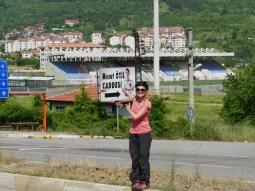 Und keiner sagt uns, dass der Bürgermeister einfach nur Mesut Özil gut findet und eine Straße nch ihm benennt:)