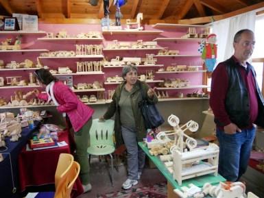 Der Ausstellungsraum ist ein Paradies für Kinder - und Antonia.// The showroom is a paradise for kids- and Antonia.