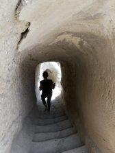 Vardzia, die Höhlenstadt, erbaut im 12. Jhr. in der es neben Wasser- auch eine Abwasserversorgng gab und in der 50000 Menschen Platz fanden.