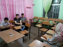 In the english class.// In der Englischklasse.