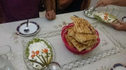 """salade olvie"" iranischer Kartoffelsalat - ein Kunstwerk. Danke Shekiba. // Iranian potato salad - a piece of art. Kheli mamnun Shekiba."