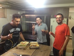 Tohid, one of his staff, quiche and potato gratin, Daniel.// Tohid, einer seiner Mitarbeiter, Quiche, Krtoffelgratin, Daniel.