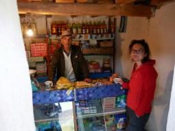 Khorog to Murgab.We are invited for breakfast. Bachodur calls his daughter to bring bread for us in his shop.// Wir werden zum Frühstück eingeladen.Bachodur ruft seine Tochter an, damit sie Brot für uns bringt.