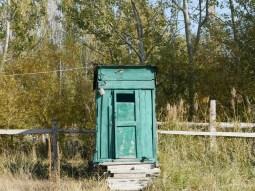Outdoor toilet.// Klohäuschen.