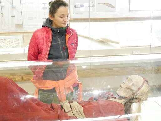 Xinjiang Regional Museum: 2800 Jahre alte Mumie, inklusive Haare und Fingernägel// 2800 years old mummy with hair and finger nails.