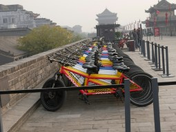 Stadtmauer Xian - tandems!.// City wall Xian- Tandems!