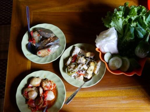 Auberginen, Palmherzen, Tofu.// Eggplant, heart of palm, tofu.
