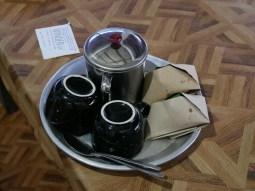 Breakfast made by our Warmshower host Nilam.// Frühstück, selbstgemacht von unserer Warmshower Gastgeberin Nilam.