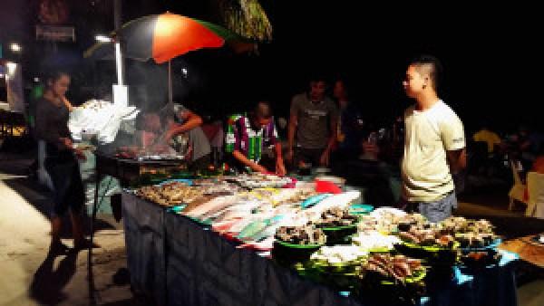 Dineren-op-het-strand-Filippijnen