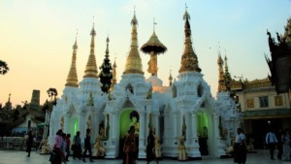 Mark Shwedagon Paya Yangon