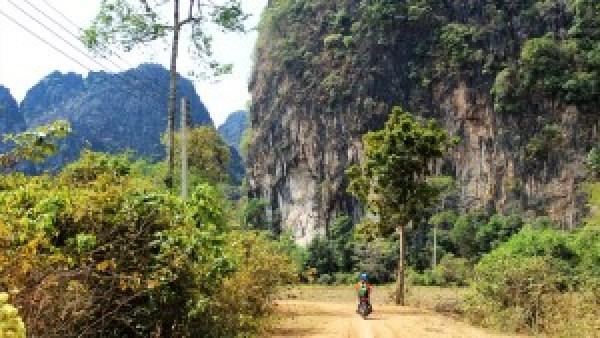 Mark The Loop, Laos