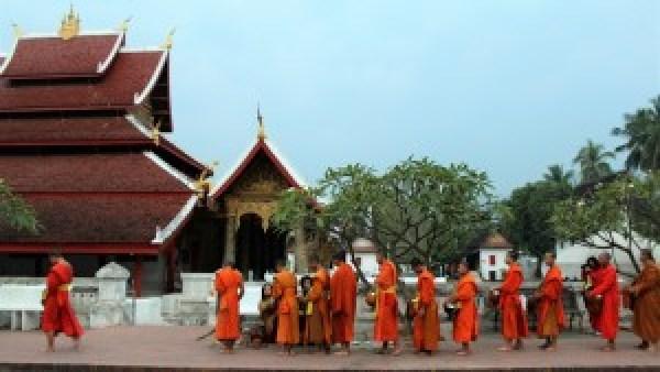 Morning Alm Luang Prabang