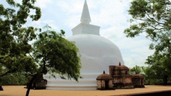 Polonnaruwa temples