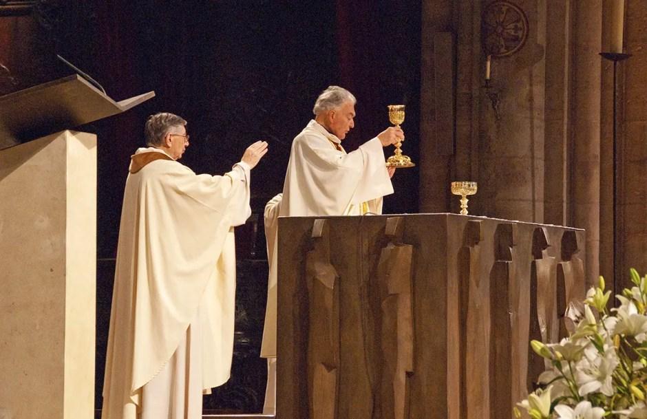 Mass in progress, Notre Dame