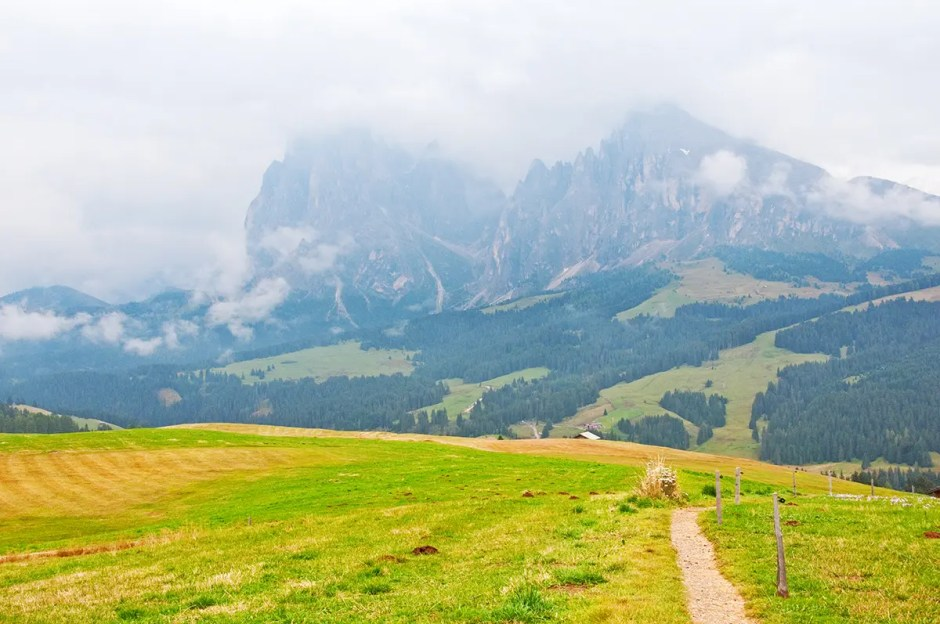 Trail, valley and Plattkofel/Sasso Piatto and Langkofel/Sasso Lungo, Italy