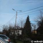 Obrócona lampa przy SP nr 2 w Andrychowie