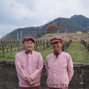 ヴィンヤード・マネージャーの弦間氏(右)とチーフ・ワインメーカーの安蔵氏