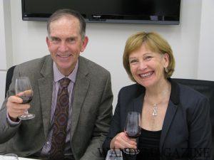リチャード・アーノルドは1974年入社。妻のスーザン・フレンチは1978年入社。職場結婚し現在もワイナリーで働いている。