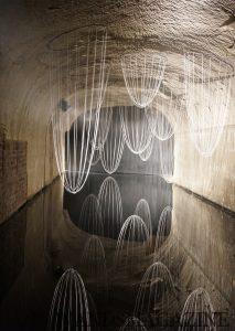 地下セラーにはアーティストによるオブジェも