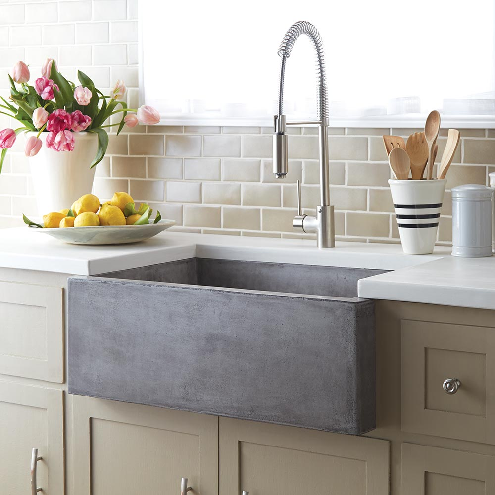 farmhouse sinks add a rustic touch to