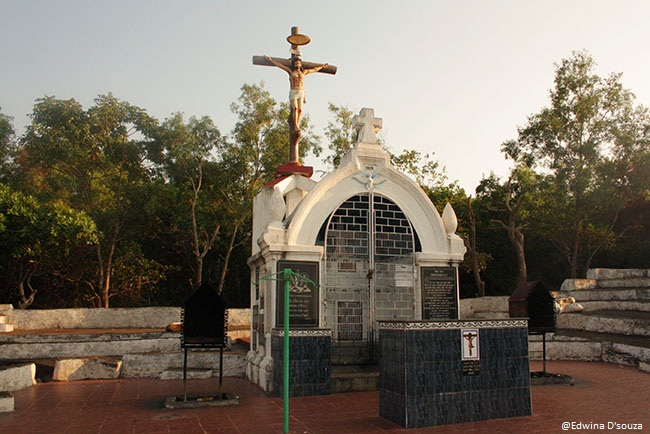 Altar and location of the Miraculous cross anjuna