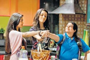 Still from Luv Ka The End - Pushtie, Sreejita & Shraddha Kapoor - bollywood sidekicks